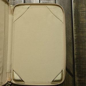 Coach Accessories - NEW Coach E-reader Case Rare Daisy